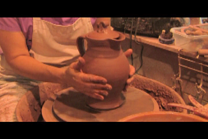 How to throw a pottery pitcher