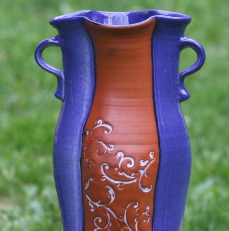 Vase with Vine